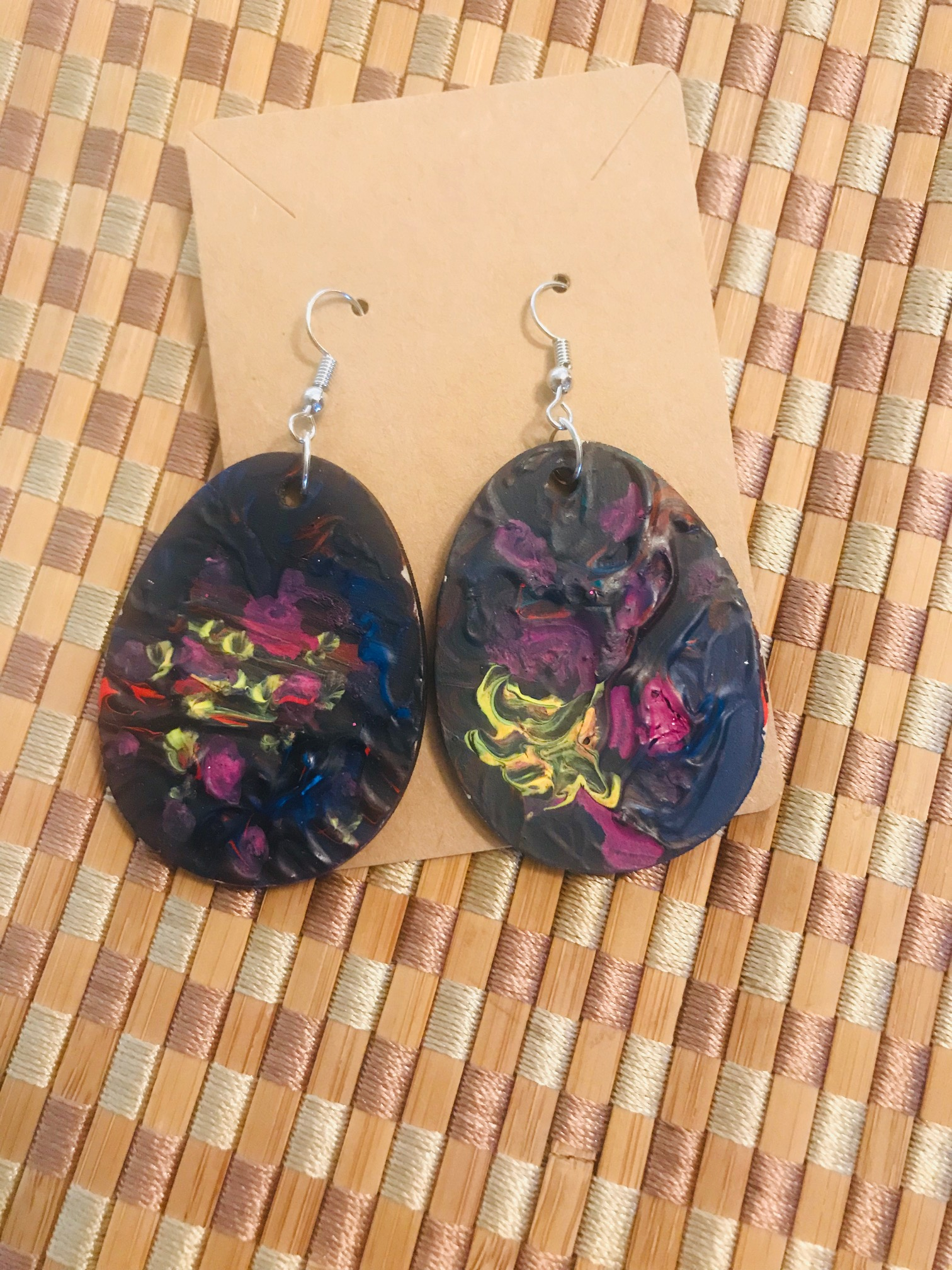 Custom-Made & Hand-Painted Healing Earrings \\\